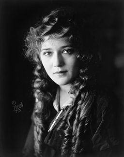 Black and white portrait of actress Mary Pickford