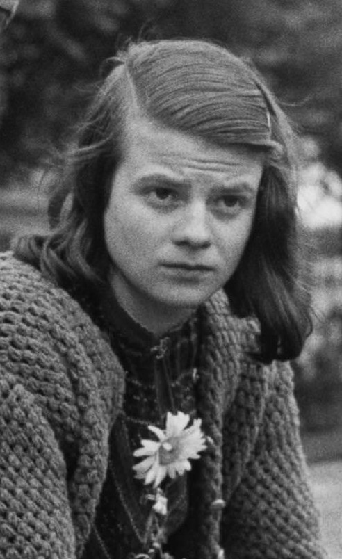 Black and white portrait of Sophie Scholl