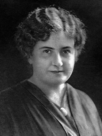 Black and white photo of Maria Montessori